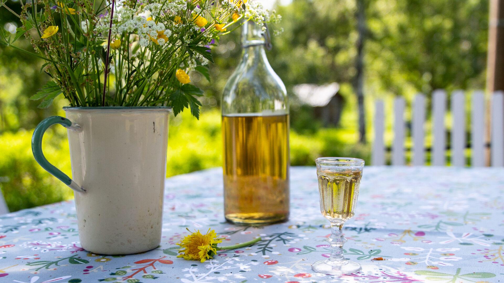 Alcoholic drinks golden shower
