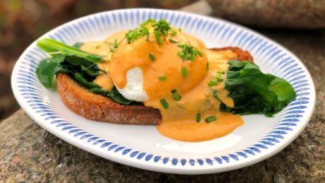 ont i magen av stekt ägg